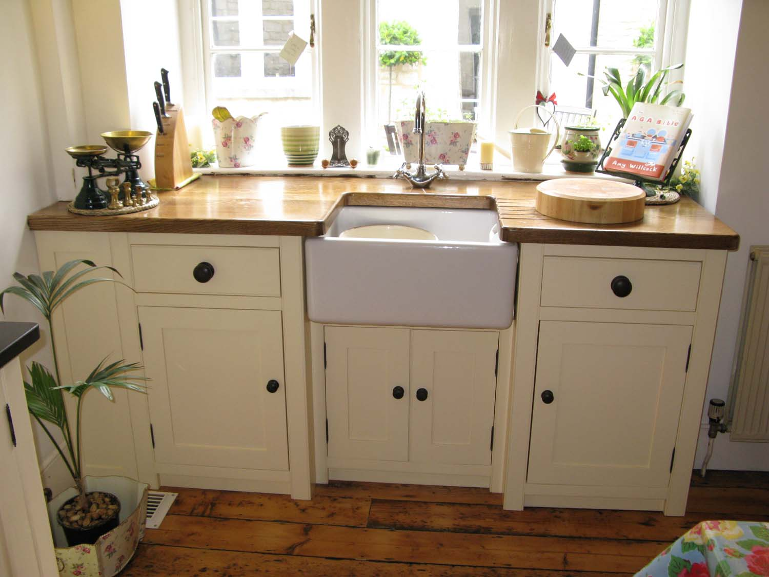 Free standing kitchen units best home decoration world class for Vintage kitchen units uk